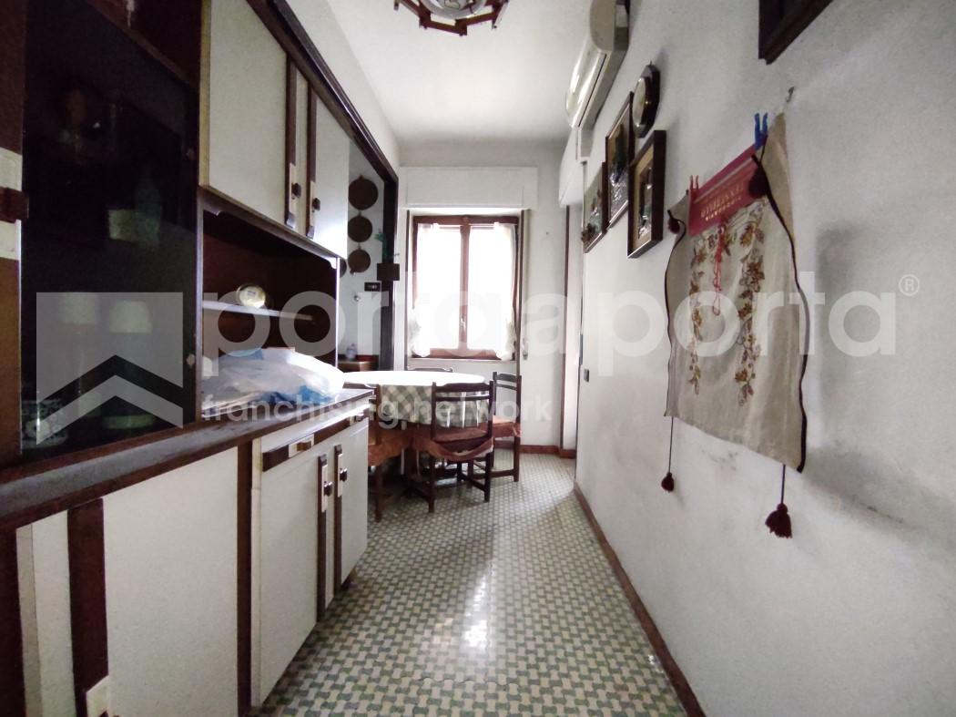 appartamento 3 vani zona centrale-3