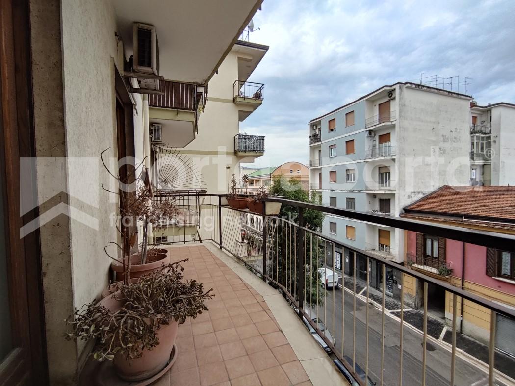appartamento 3 vani zona centrale-9