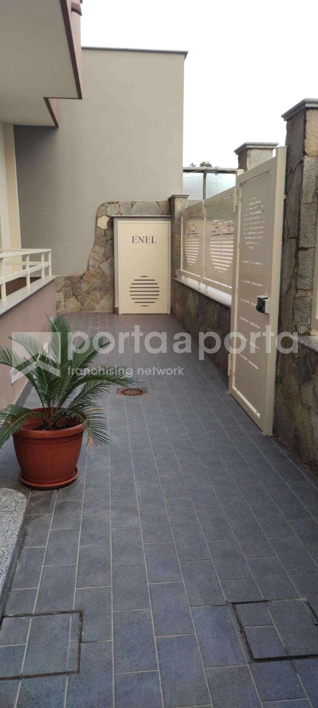 attico semi arredato 4 vani con box auto e terrazzo-19