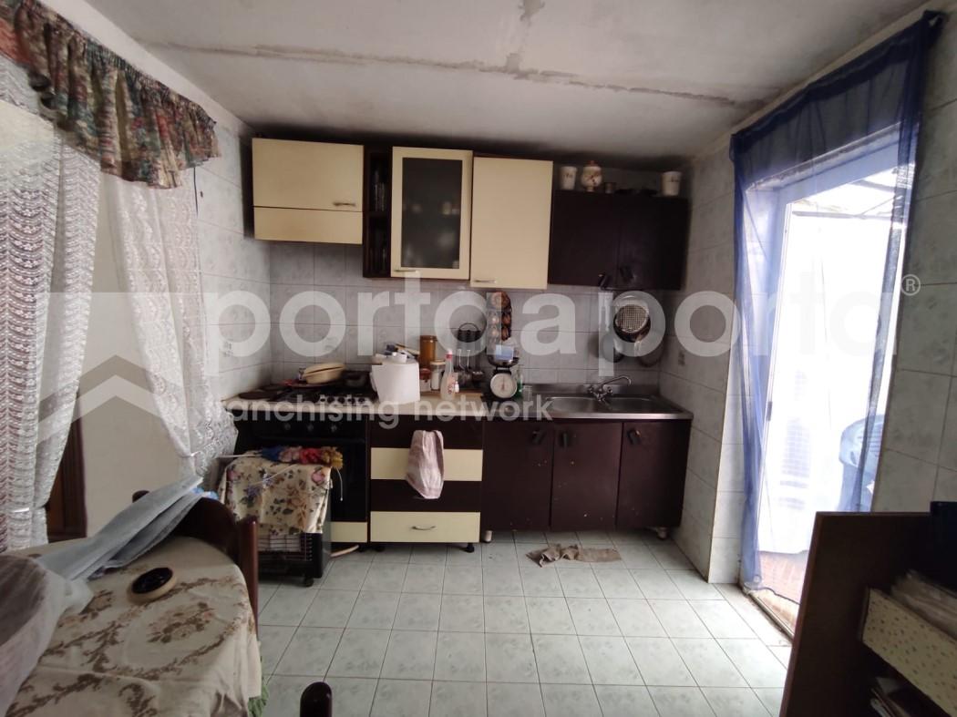 appartamento su due livelli con terrazzi e giardino-15