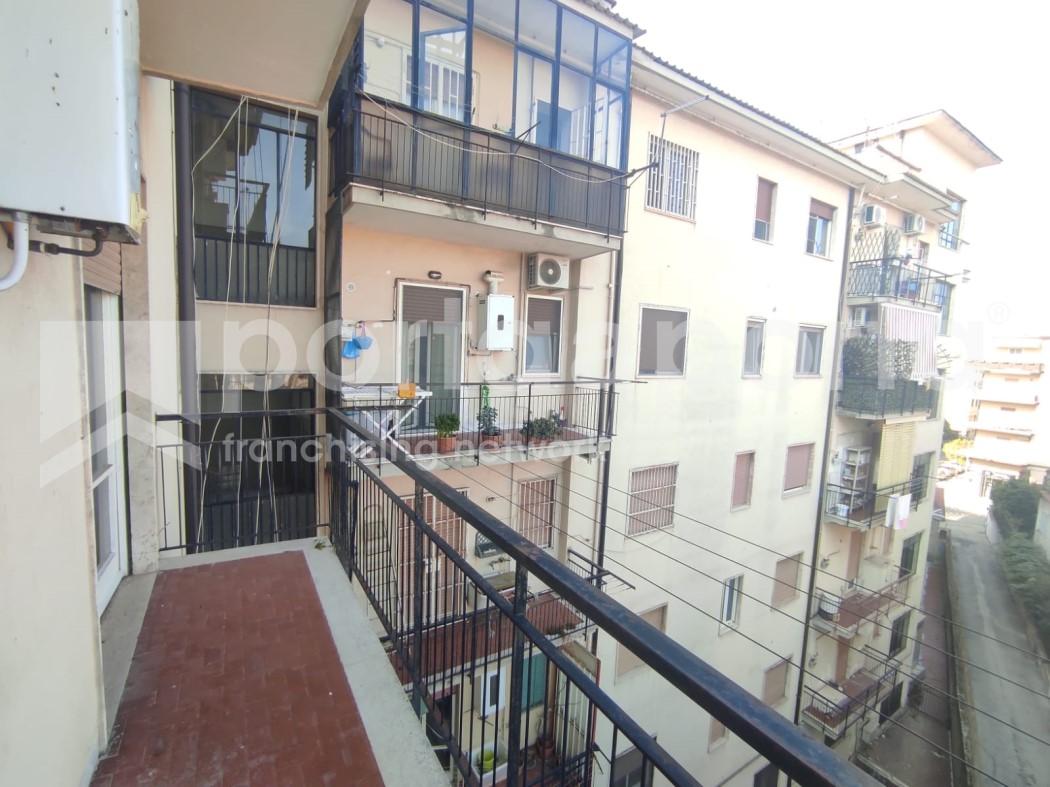 appartamento 3 vani a due passi dal centro-12