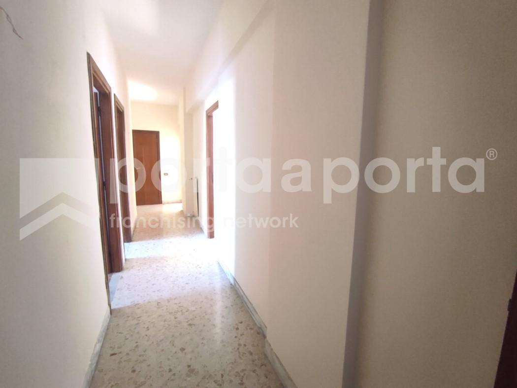 appartamento 3 vani a due passi dal centro-4